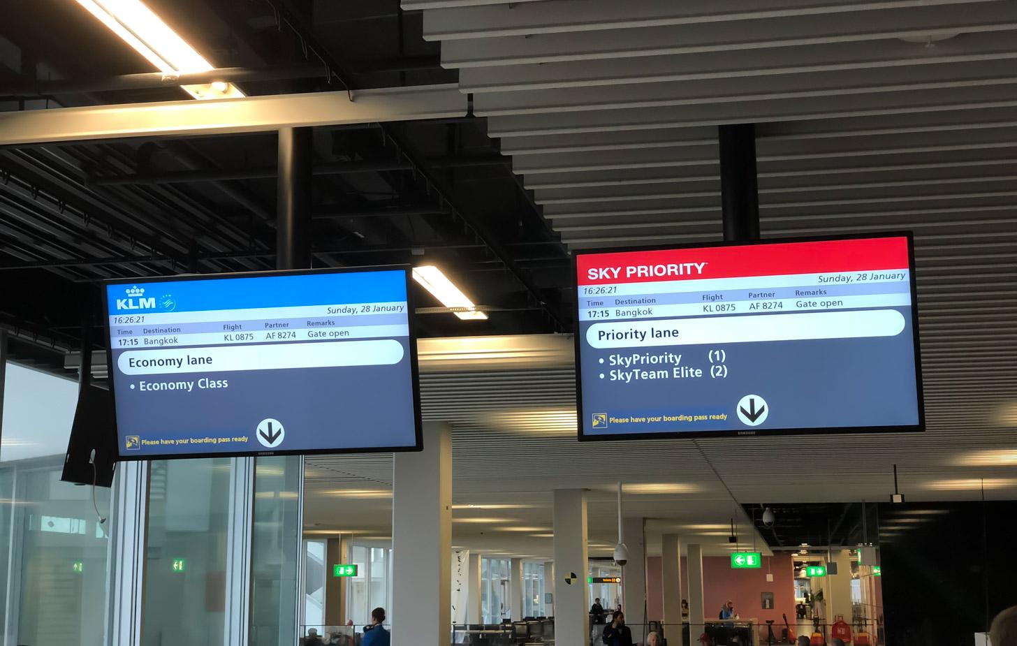 Vliegen naar Bangkok